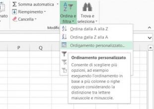 Cliccate sul pulsante Ordina e filtra e selezionate Ordinamento personalizzato
